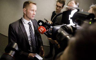 芬兰人党议员Niikko和Vähämäki与中国的密切关系