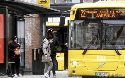 """赫尔辛基公交司机抱怨:""""很多外国人不戴口罩,爱沙尼亚司机不戴口罩"""""""