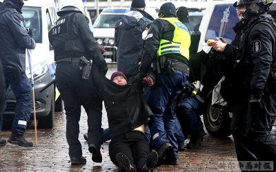 赫尔辛基再次发生反新冠限制的流行,警方拘捕了其中20人