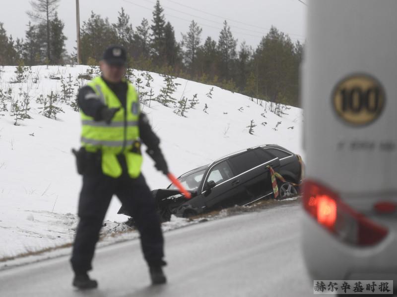 芬兰东部城镇Suomussalmi发生两起车祸,8人受伤