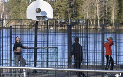 芬兰首都地区放宽对户外活动与私人活动的限制