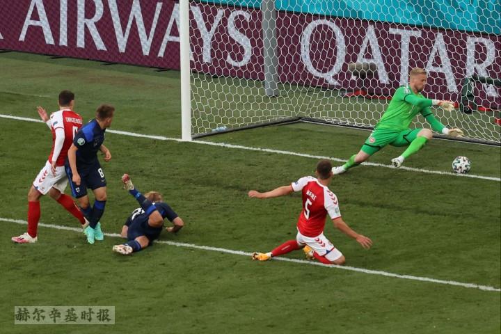 图片新闻:芬兰男足在2020欧洲杯决赛圈首场比赛1-0击败丹麦