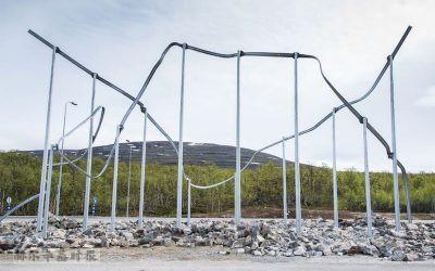 芬兰挪威边境的Kilpisjärvi海关展出象征无缝交通的艺术作品